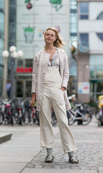 valkoinen_overalls