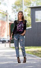 boyfriend_jeans_printtipaita