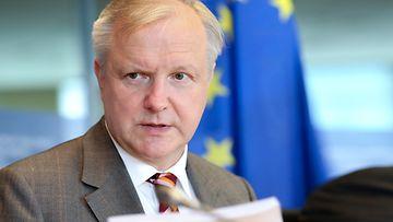 Olli Rehn varoittaa deflaatiosta