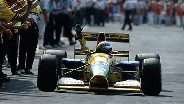 Michael Schumacher ajoi ensi kertaa palkintopallille Meksikossa 1992.