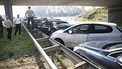 KUVAT: Hollannissa hurja 150 auton kolari