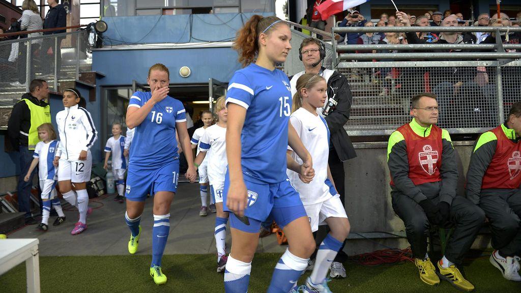 Naisten Jalkapallo Maajoukkue