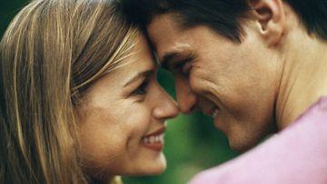 onnellinen-pari,-mies-ja-nainen
