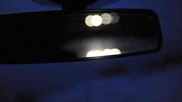 pimeällä ajaminen