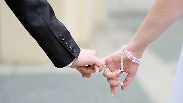 avioliitto,-sormus,-kosinta