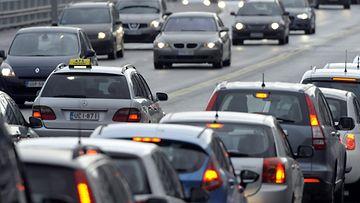 liikenne ruuhka autot moottoritie