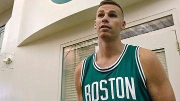NBA-seura antoi Erik Murphylle l�ht�passit