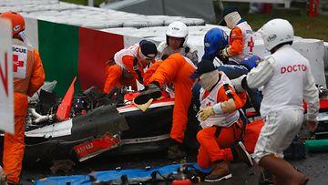 Jules Bianchi, 2014 Japani, ulosajo kolari (8)