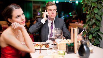 ravintola, kännykkä