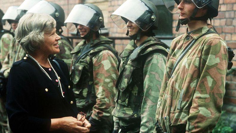 Elisabeth Rehn puolustusministeri