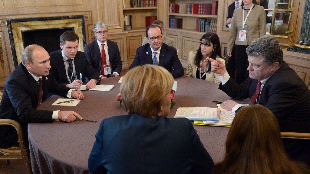 Líderes de França, Alemanha, Ucrânia e Rússia discutirão conflito ucraniano