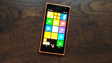 """Nokia Lumia 735, """"Selfie-kännykkä"""""""