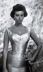 Sophia-Loren-That-Kind-of-Woman-1959