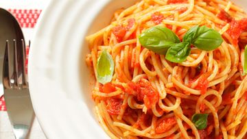 pasta, tomaattikastike