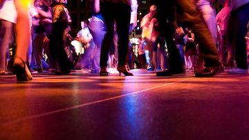 tanssilattia, bileet, juhlat, yökerho, tanssi