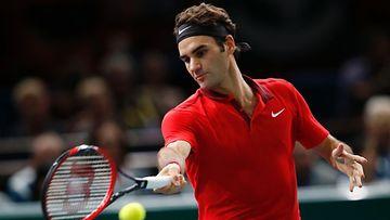 Roger Federer koki tappion Pariisin turnauksen puolivälierässä.