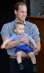 Prinssi William poikansa Georgen kanssa. Kuninkaallinen pari odottaa toista lastaan. Copyright: All Over Press. Photographer: Michael Dunlea / Barcroft Media.