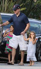 Matt Damonilla on kolme tytärtä vaimonsa Lucianan kanssa ja lisäksi hän on isäpuoli Lucianan esikoistyttärelle. Copyright: All Over Press. Photographer: RS/X1ionline.com.