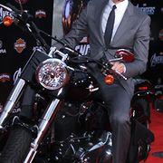 Tom Hiddleston Avengers-elokuvan ensi-illassa. Copyright: All Over Press. Photographer: Jen Lowery / Splash News.