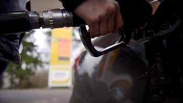 27225698 Bensiini öljy tankkaus huoltoasema diesel