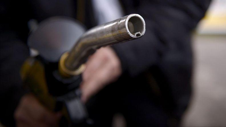 27225709 Bensiini öljy tankkaus huoltoasema diesel
