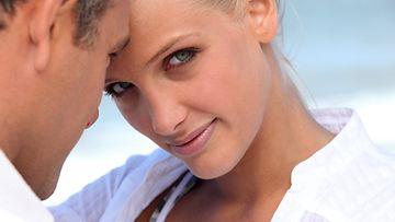 Avioeron-todennäköisyys-kasvaa-ikäeron-myötä