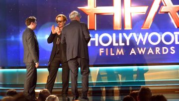 Johnny Depp varasti show'n Hollywood Film Awards -gaalassa 14.11.2014.