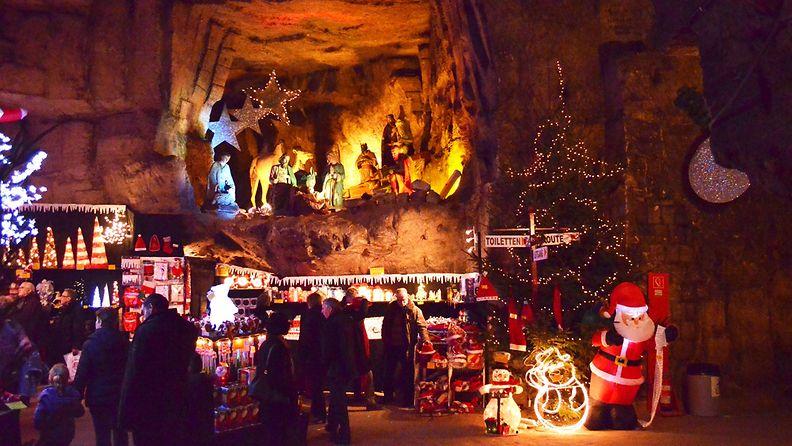Valkenburg_Grotto[1]
