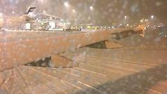 Koneita lumijonossa tunteja Helsinki-Vantaalla – Finavia vakuutteli talvivalmiuttaan