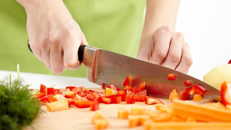 Tavalliset veitsivirheet kostautuvat ruoanlaitossa – älä sorru näihin!