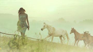 Nainen ja hevoset