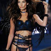 Syntisen seksikkään alusvaatteet ovat osa Victoria's Secretin suosiota. Copyright: All Over Press. Photographer: FACUNDO ARRIZABALAGA.