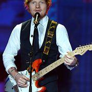 Laulaja-lauluntekijä Ed Sheeran pääsi esiintymään kaunotarten rinnalla. Copyright: All over Press. Photographer: FACUNDO ARRIZABALAGA.
