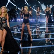 Taylor Swift nähtiin lavalla useaan otteeseen. Copyright: Joe/WENN.com. Photographer: Joe/WENN.com.