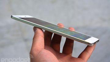 VivoX5Max -Androidkännykkä. Kuvakaappaus Engadgetin sivuilta.