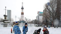 Japanissa kunnon lumimyräkkä – liikenne täysin jumissa