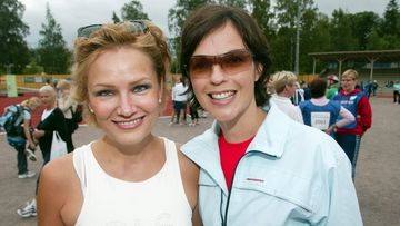 Naisten pyörähdys eli 30 km:n naisille tarkoitettu pyöräilylenkki ajettiin  Helsingissä. Eija-Riitta Korhola ja Anna-Liisa Tilus osallistuivat tapahtumaan. vuonna 2003.