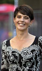 Anna-Liisa Tilus poseeraa Seinäjoen Tangomarkkinoilla perjantaina 8. heinäkuuta 2011.