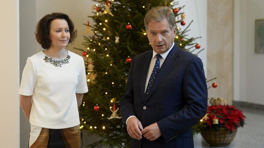 KUVAT: Presidenttipari sai joulutervehdykset - Viihde - MTV.fi