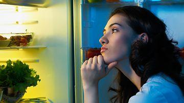 jääkaappi, nainen, nälkä