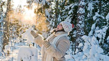 nainen_talvi