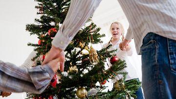 joulukuusi_perhe