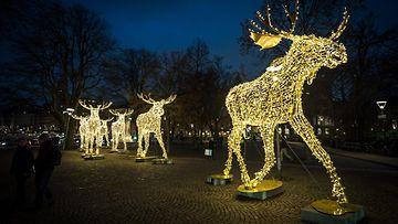 700 000  jouluvaloa Tukholmassa.