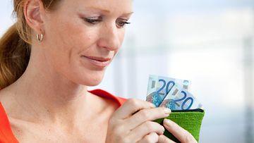 Nainen ja rahaa