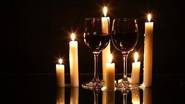 kynttilä viinilasi