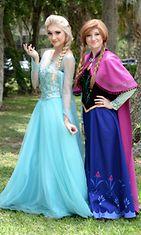 Frozen-hahmojen näköiset Anna Faith Carlson ja sisko Lexie