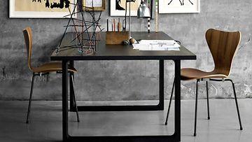 Fritz-Hansen-Essay-pöytä-ja-seiska-tuolit_1426
