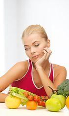 Naista ei huvita syödä hedelmiä