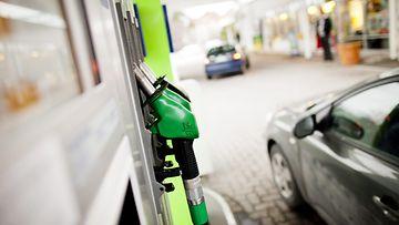 bensapumppu bensiini bensa-asema polttoaine huoltoasema neste