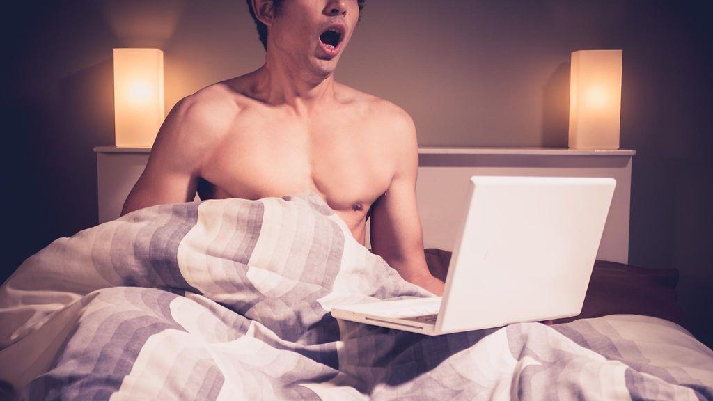 nainen ja mies sängyssä ilmainen porno elokuva